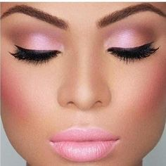 If you have a light pink dress this make up will be good.