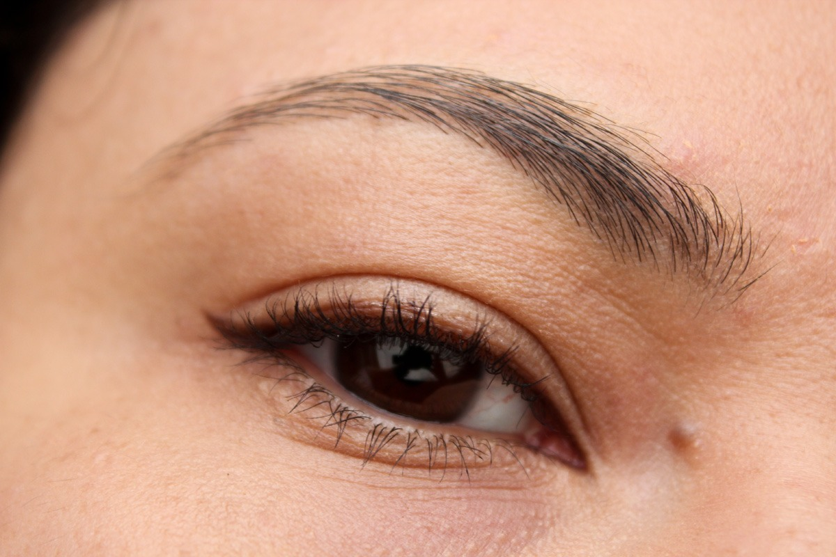 The struggle of perfecting eyebrows is something every woman faces. Say no more to the frustration of unsightly brows!Sprits and old toothbrush or cleaned mascara brush with hairspray, then bush and style brows as desired. Even the most hard to tame brows will fall in line with this trick!