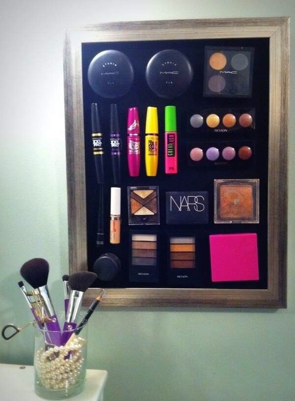 magnetic makeup board!