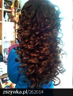 Wait 5-10 minutes for the curls to cool and set, then pull them out and get beautiful curls.