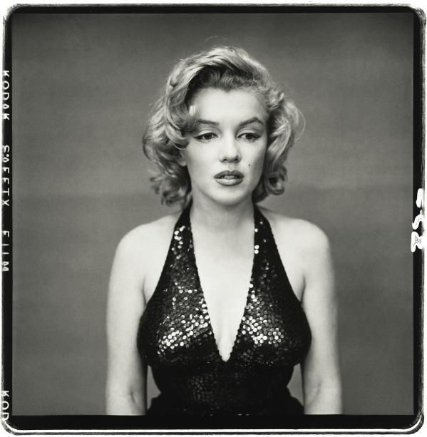 #6 Original Hair Color  Marilyn is famous of her beautiful blonde hair. However, this is not her natural hair color. She was born a brunette and began dying her hair when she signed her first studio contract. Her producers considered blonde to be much more seductive than brown