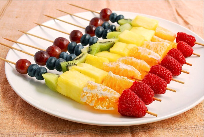My favorite snack in the bath is fruit.  Add whatever fruit you like on a skewer.  Or another snack idea is a simple salad. Add some veggies and ranch or whatever dressing you like too some heathy green leaves.