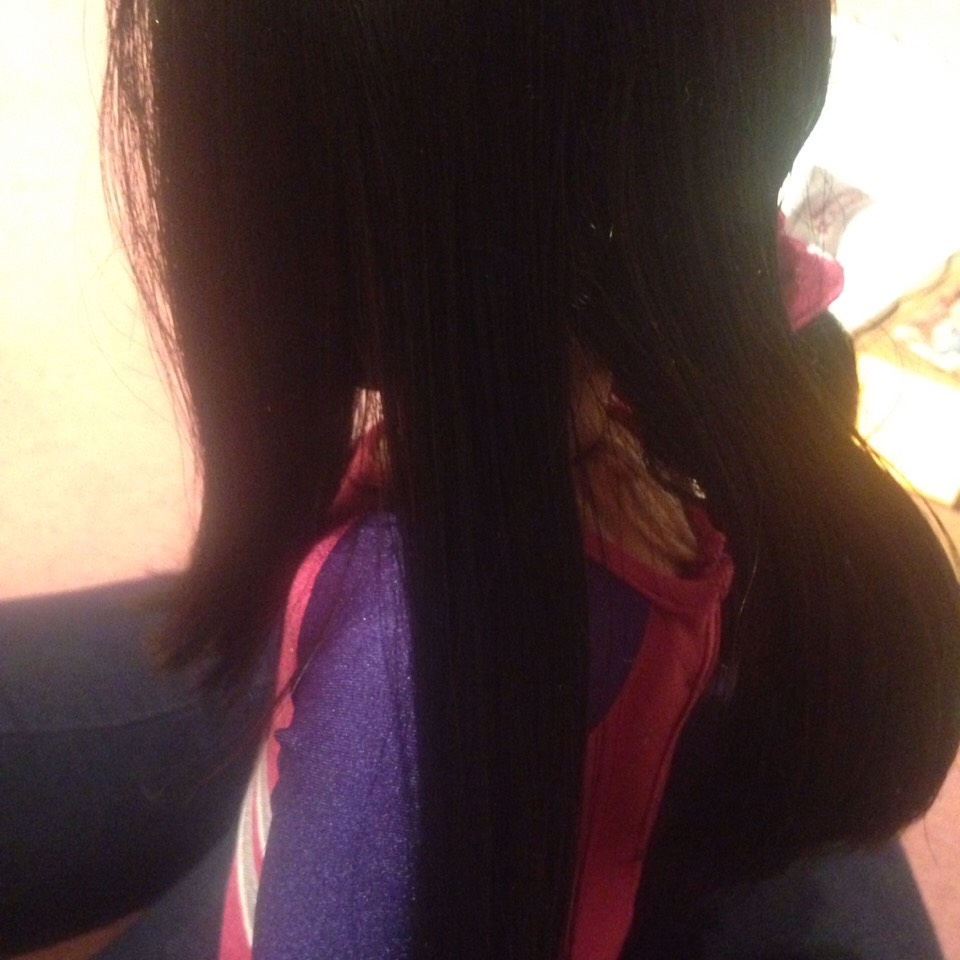 1)split the hair into 3 sections