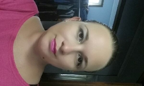 a soft look for my eyes using pigments from www.melsyouniquelife.com... just step one of your sexy eyes