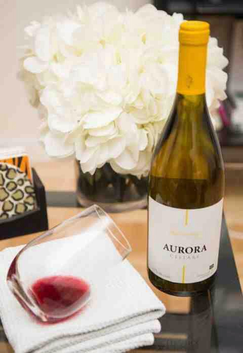 11. Remove red wine stains with white wine. Soak the spot in white wine for a few minutes to pretreat the stain before washing.