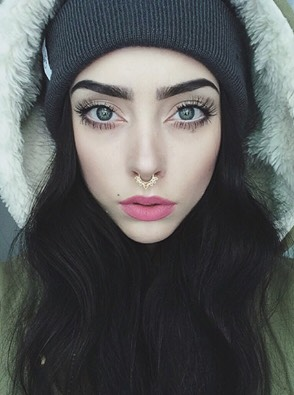 Eyebrows and piercing- we <3 it