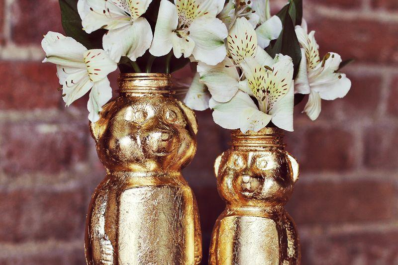 Supplies Needed:  Gold Leaf Starter Kit, 2 Honey bottles in small and large, foam brush and paint brush