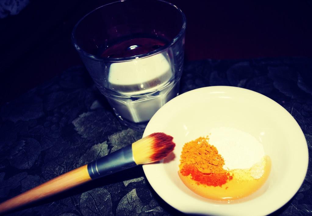 Ingredients.   Turmeric  Water or Milk or Plain yoghurt Honey
