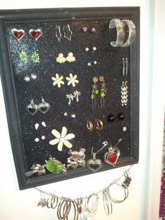 Those foam sheets that come in packaging are perfect for storing earrings! Polystyrene sheets are good but they tend to crumble and they make a mess. Simply PPP them into your jewellery box or frame them on the wall⭐️