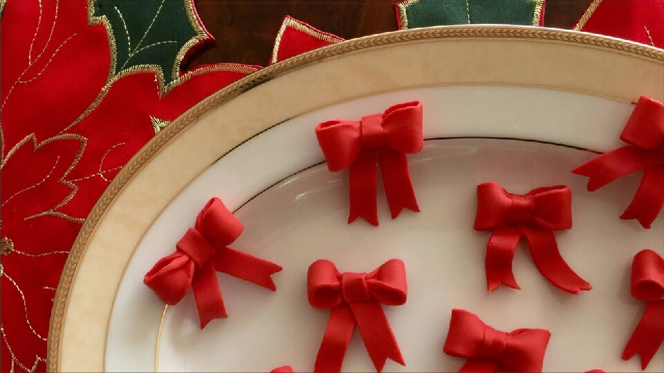 or even red fondant bows