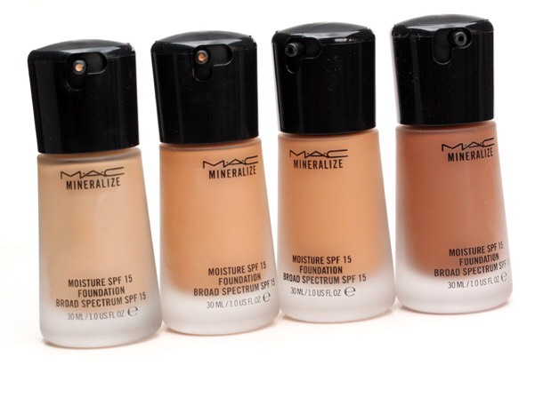 THIS mac foundation is very oily and do not buy!!!!! JUST BECAUSE ITS A GOOD NAME DOESNT MEAN ITS A GOOD FOUNDATION FOR YOUR SKIN TYPE! do not be fooled by the name brands. Always look and check your foundation type
