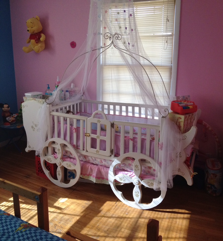 Princess crib for a baby Girl 👶🍼👑 by Arge 💋🎧💃 - Musely