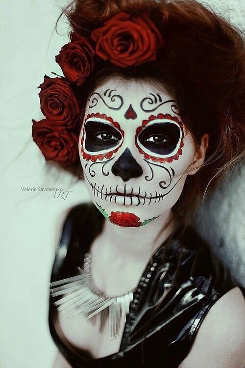 Up to date Day of the dead makeup and costume