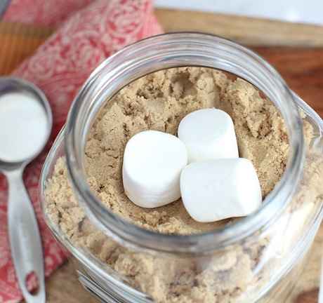 4. Keep brown sugar from hardening by adding marshmallows to the container.