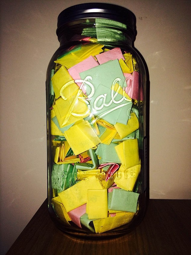fill your jar with your folded up post it notes 💗