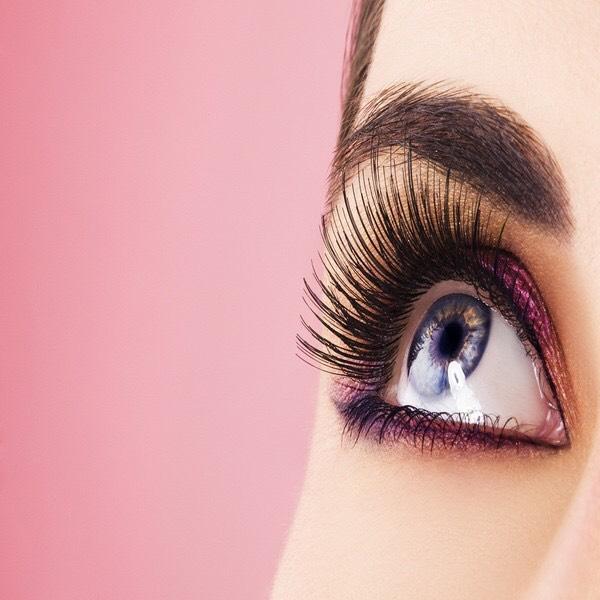 Want super long eyelashes