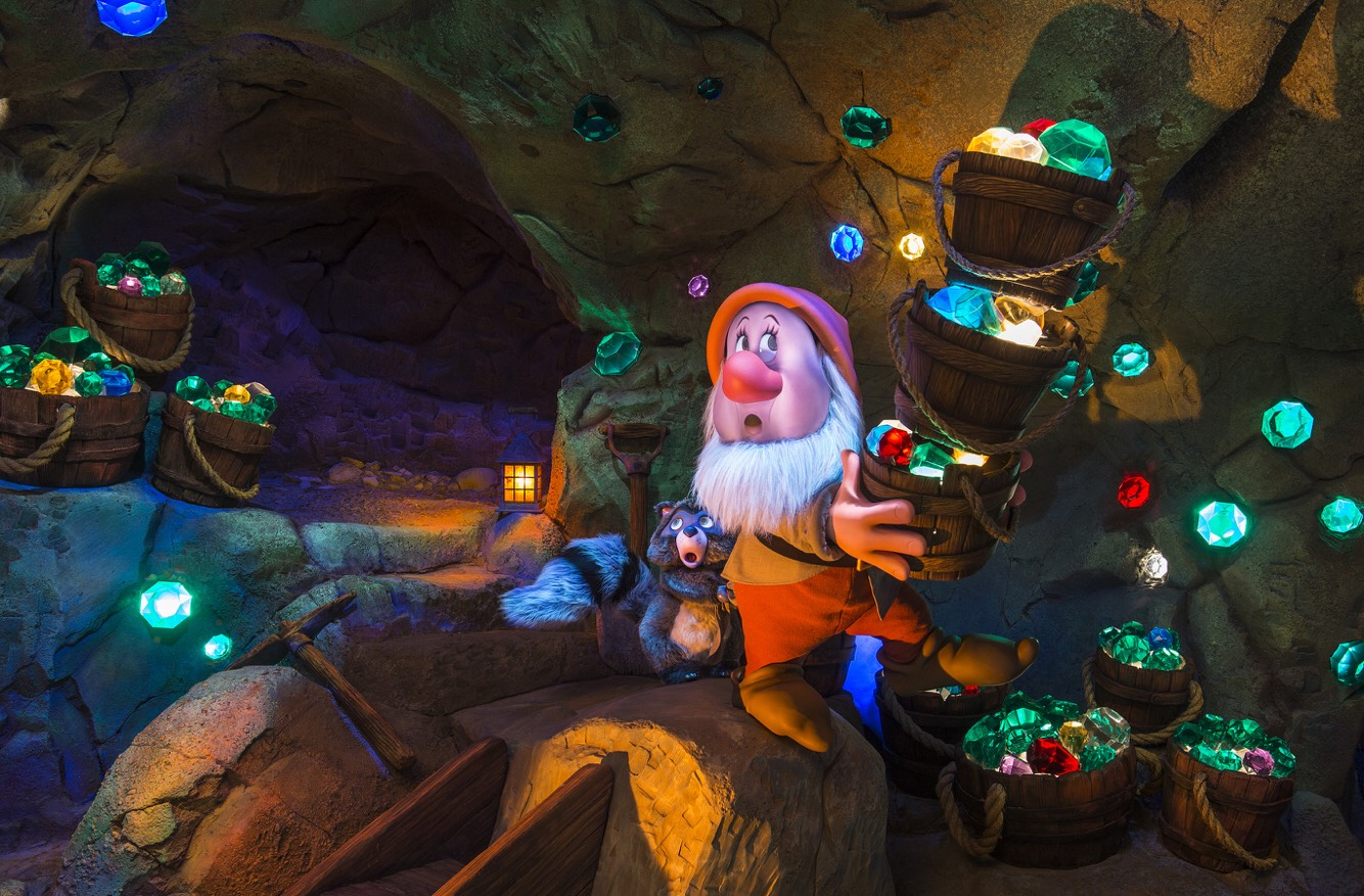 Seven Dwarfs Mine Train Race through the diamond mine from Snow White and the Seven Dwarfs on an adventurous family coaster.   Height: 38in or taller FP+: Yes