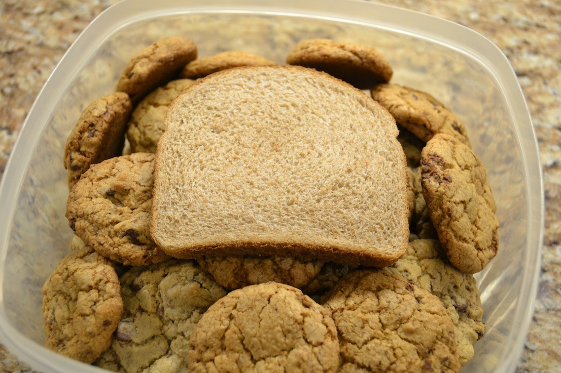 10. Soften cookies by sealing a piece of bread inside of the cookie container.