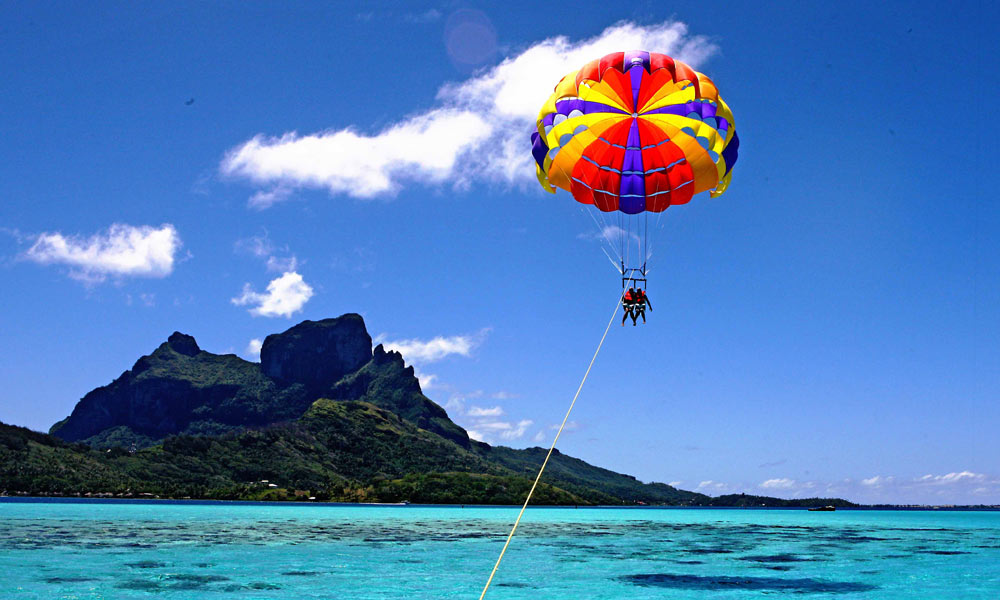 Go parasailing together