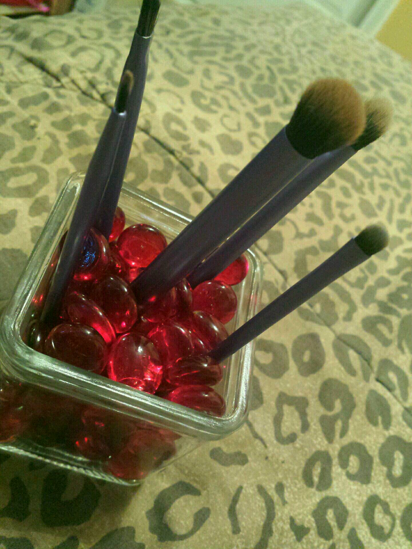 ADD YOUR BRUSHES INTO IT AND ENJOY YOUR DYI MAKEUP BRUSH ORGANIZER 😊