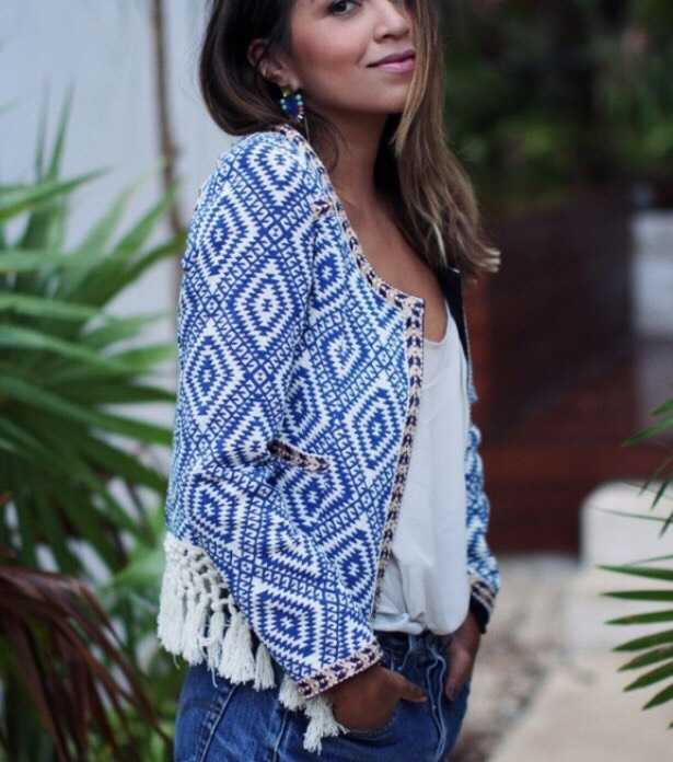 2. BLUE PRINTED JACKET Underneath this gorgeous jacket is the simplest outfit ever- a pair of jean shorts and a white shirt- and yet the outfit looks so chic!