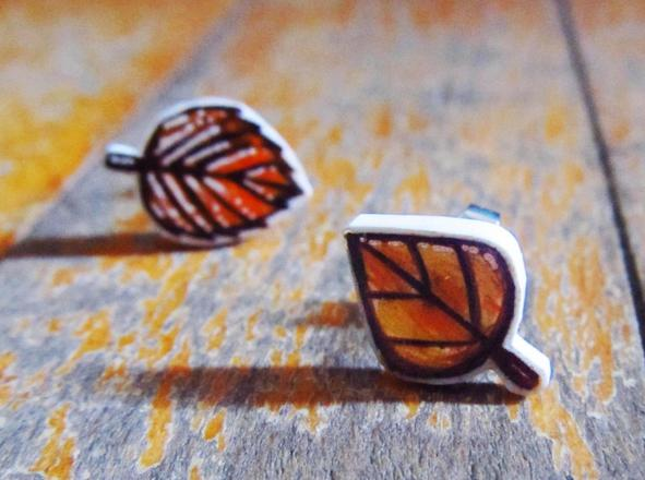15. Miniature leaves for each of your earlobes.  https://www.etsy.com/listing/204937753/leaves-earring-studs-fall-autumn-gift?source=aw&utm_source=affiliate_window&utm_medium=affiliate&utm_campaign=us_location_buyer&utm_content=181013