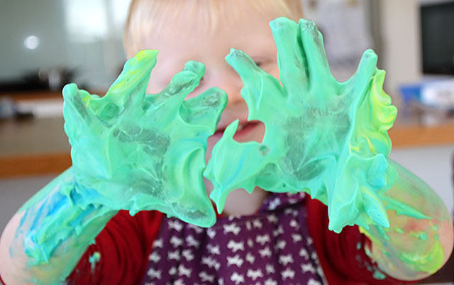 This is a quick and easy activity to set up and clear away. It's a great sensory activity for kids and promotes their physical development.