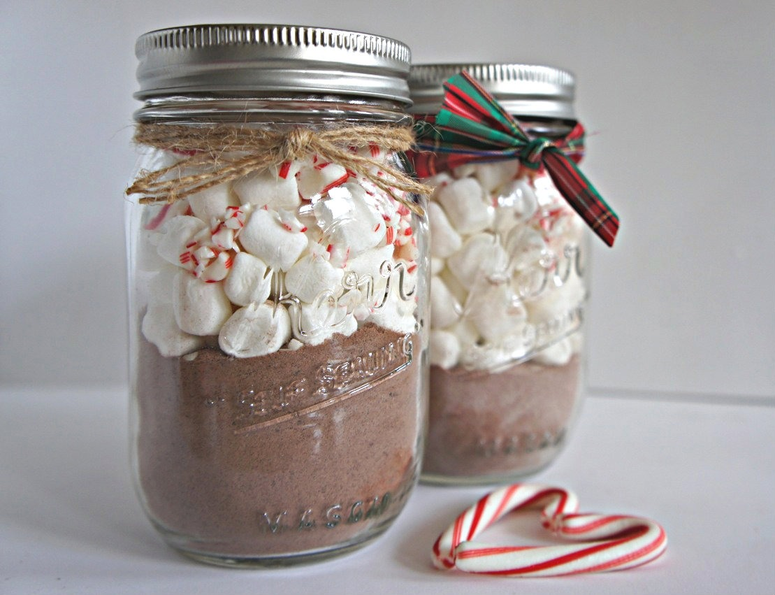 This one could be used as a gift. All you do is put hot chocolate at the bottom and marshmallows and candy canes are optional and then put the recipe on a little tag and add ribbon to it 😍