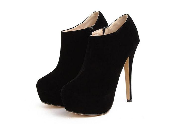 For nights out Pick out a pair of sexy, stiletto ankle boots. Black suede tends to be a good material to choose when picking out a boot with a high-heel but not a good choice in wet weather.