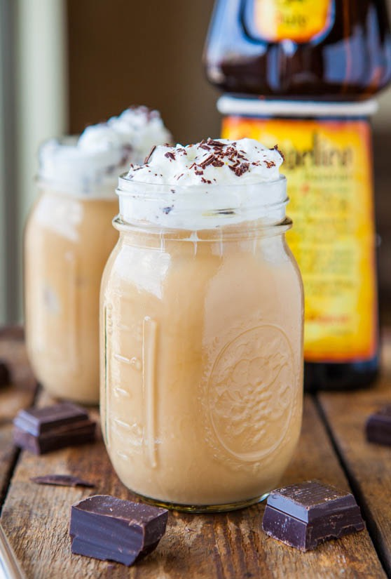 Vanilla Iced Coffee Ingredients: •2 cups heavy cream •seeds from 1 vanilla bean •1/4 cup sugar Frappe •4 scoops vanilla bean ice cream •1 cup International Delight vanilla Iced coffee •1 cup ice cubes •1/3 cup 2% milk •caramel syrup 1.