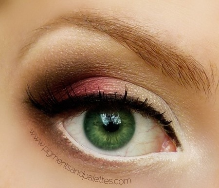 When it comes to applying eyeshadow, think complementary. Find shades that bring out the color in your eyes.