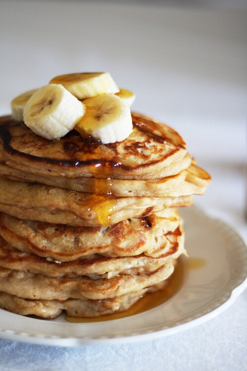 And my personal favourite, banana pancakes! 💛 With a looooottt of syrup! Haha