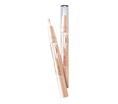 Maybelline Dream Lumi Highlighter-Love! gives a good shine and stays well