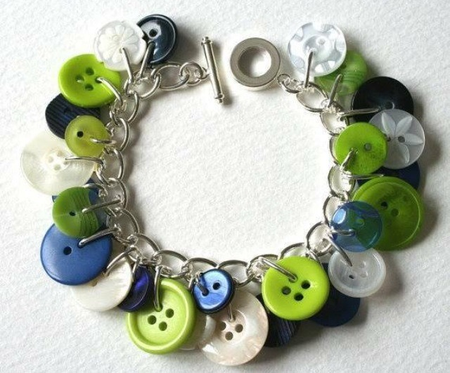 You can create a cute bracelet!!