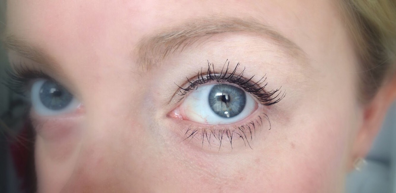 make sure to let your lashes dry between coats though or they won't turn out like you want them to.
