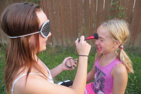 Do blind makeovers