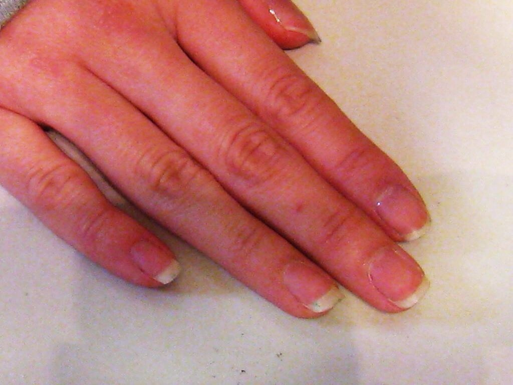 How To Whiten Natural Nails by Jessica Serrano - Musely