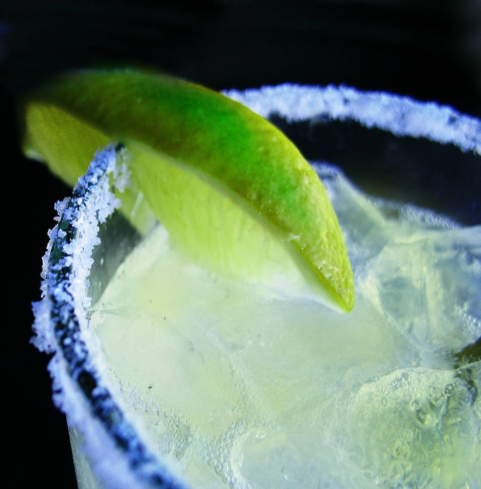 First you take 2 parts bar sour and 1 1/2 oz of lime juice.