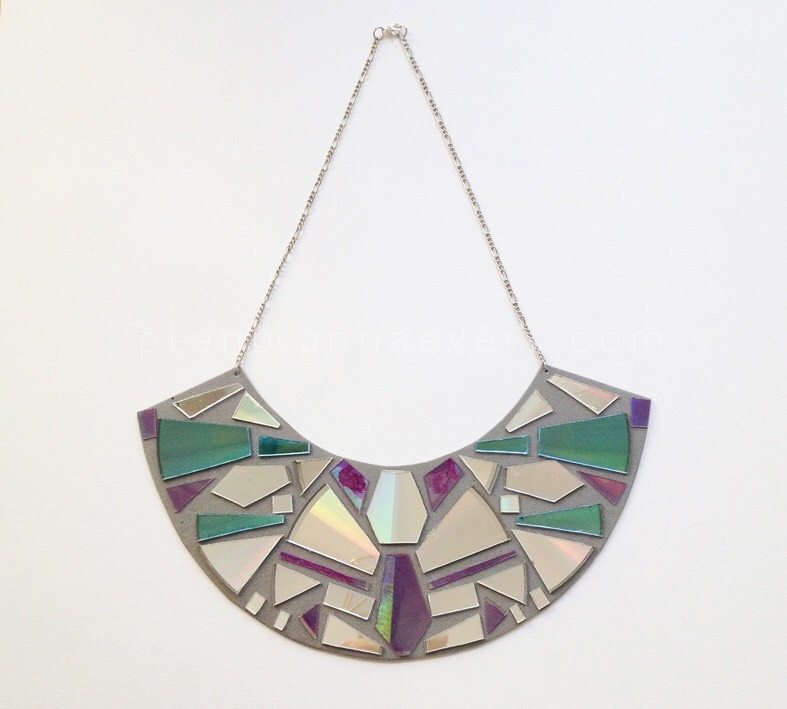 """Done! An original recycled necklace. Perfect to wear with a sober look to give a bright touch to your """"outfit"""" …"""