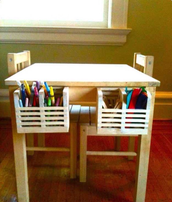 Hang Magasin cutlery caddies on a kids' table to hold crayons, markers, and any other art supplies!! 🎨
