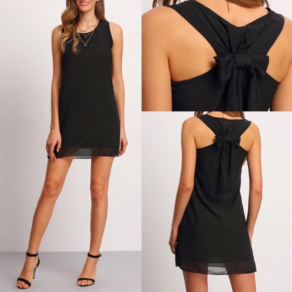 $10.99 http://m.romwe.com/Chiffon-Bow-Back-Tank-Dress-p-150682-cat-736.html