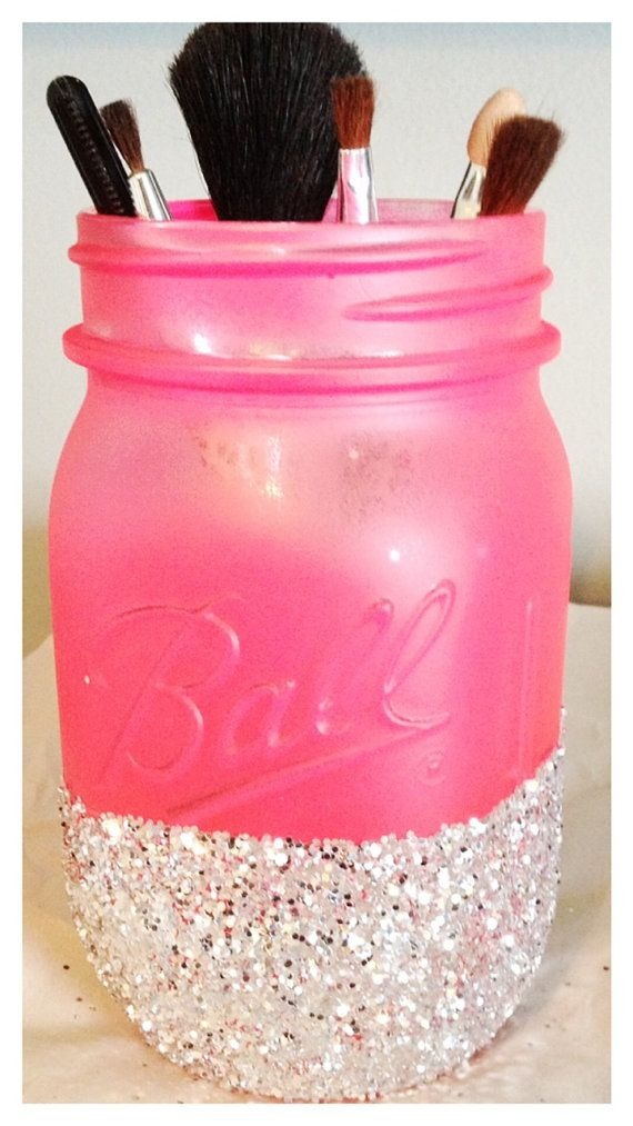 Mason jar makeup holder! Cute!! Supplies needed: spray paint ( your choice in color), glitter (again your choice in color), bubble beads at bottom to hold up brushes