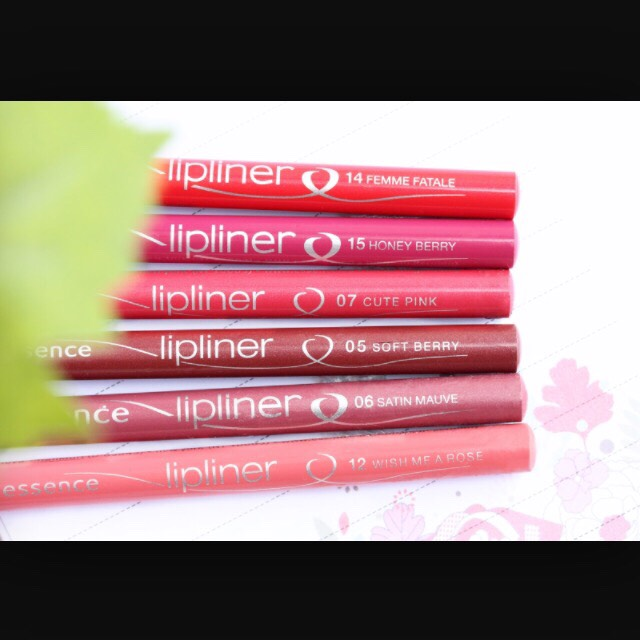 Use lip liner to line your lips to keep your lipstick in place throughout the day