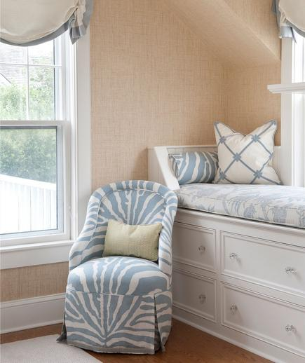 Cozy Nook If you're in need of some guest room inspiration, this is a look that never goes out of style. Create a comfy space with soft colors (white and powder blue) and fun prints like zebra and florals.
