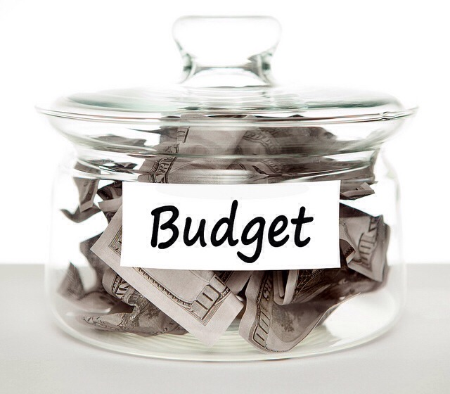 Know your budget  When shopping online, it is extremely important to know just how much you will spend.