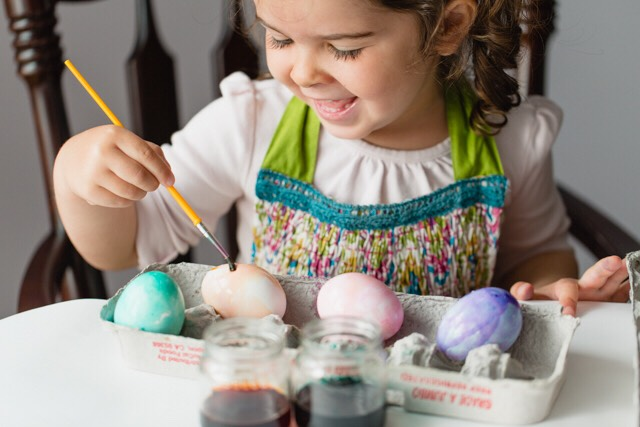 Paint some eggs! You and your kid/kids can paint some eggs to make them more colourful. You can also hide them after...😉