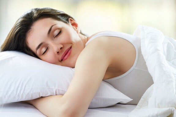 Sleep Smart: It is not only that you require adequate sleep for getting clear skin and fixing the damaged tissues, but  you need to sleep properly to minimize the risk of getting dirt and oil onto your face while you are sleeping, which are the main causes for acne outbreak.