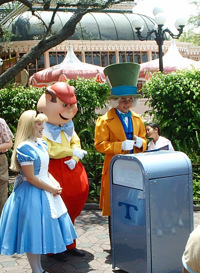 There are pipes underneath the Magic Kingdom in the utildoor that use pressurized air to jet trash to it's final destination at over 60 MPH.
