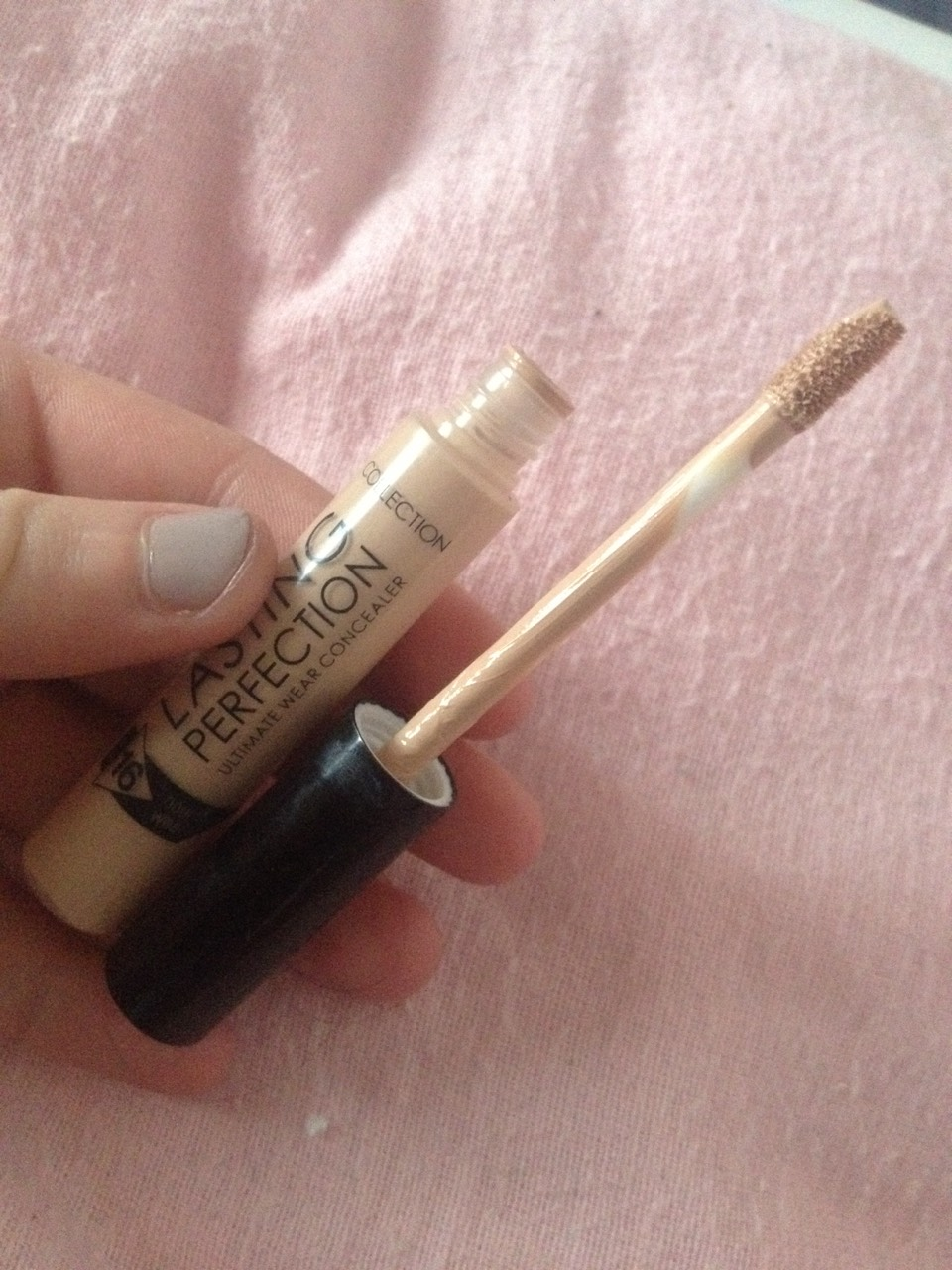 This is collection-lasting perfection ultimate wear concealer I love this because it's a 16 hour wear and it's great for covering up the little blemishes that your foundation doesn't master I highly recommend this as it's only £3.19