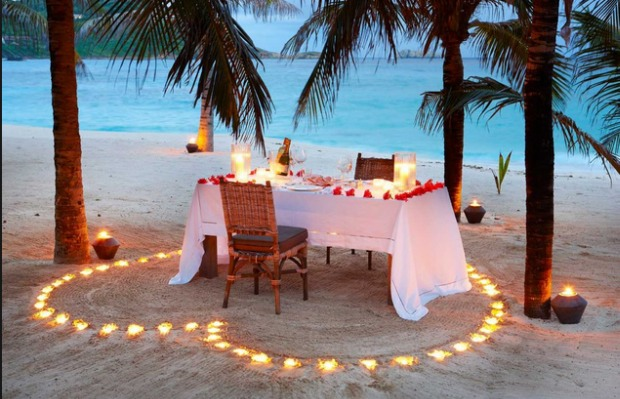 #6 gift a romantic day in the beach ❤️❤️👍